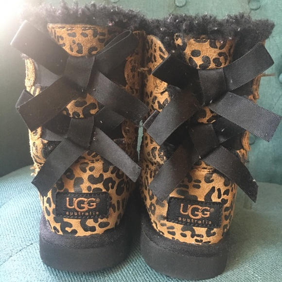 b02f3cd66b5 Ugg Bailey Bow Leopard boots girls size 11